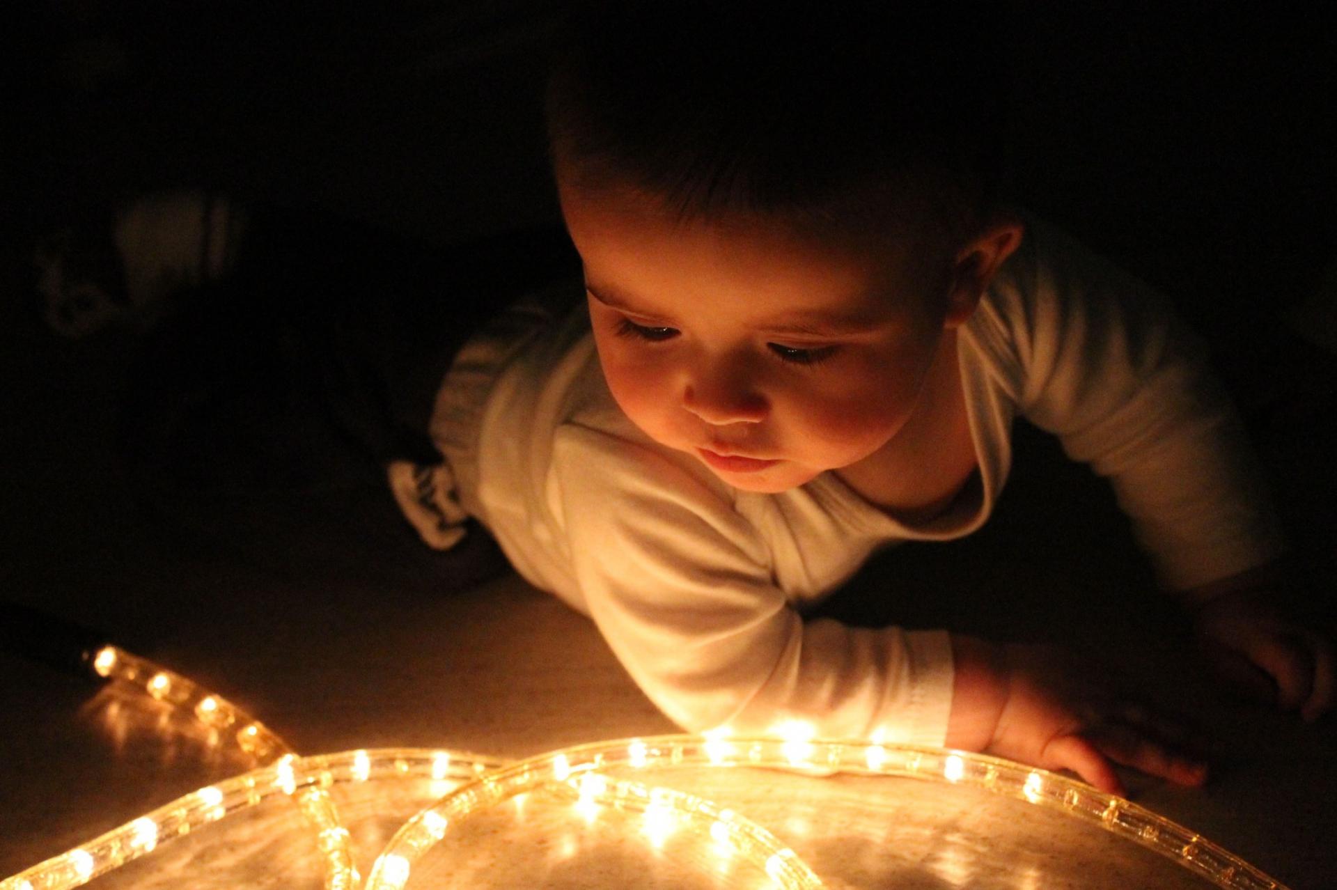 Talleres mesas sensoriales y mesas de luz_6